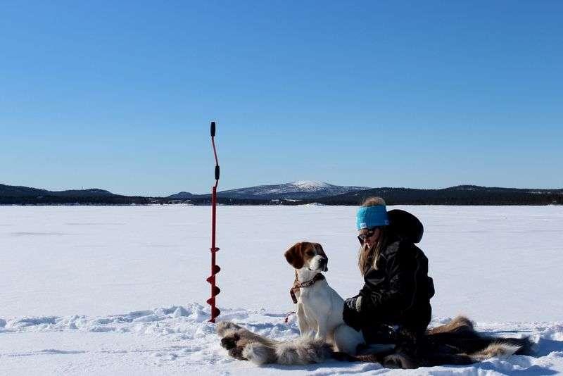 Ice fishing_Lapland_Kiviluoma52